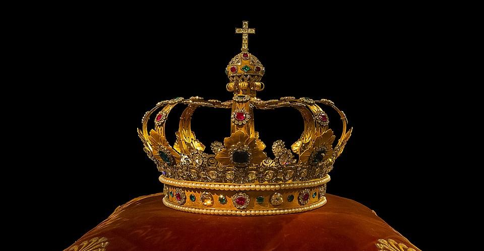 O Círculo de Leitores Lançou 34 Volumes Biográficos Sobre os Reis de Portugal